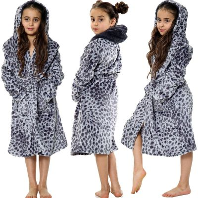 Kids Girls Bathrobes Grey Leopard Print Flannel Fleece Hooded Soft Dressing Gown Nightwear Loungewears.